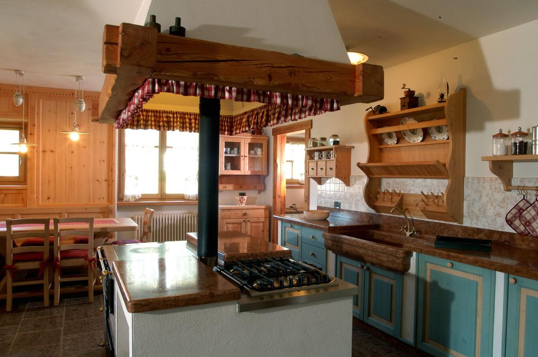 cucina2 Cucine su misura, progettate per vivere la tua casa.