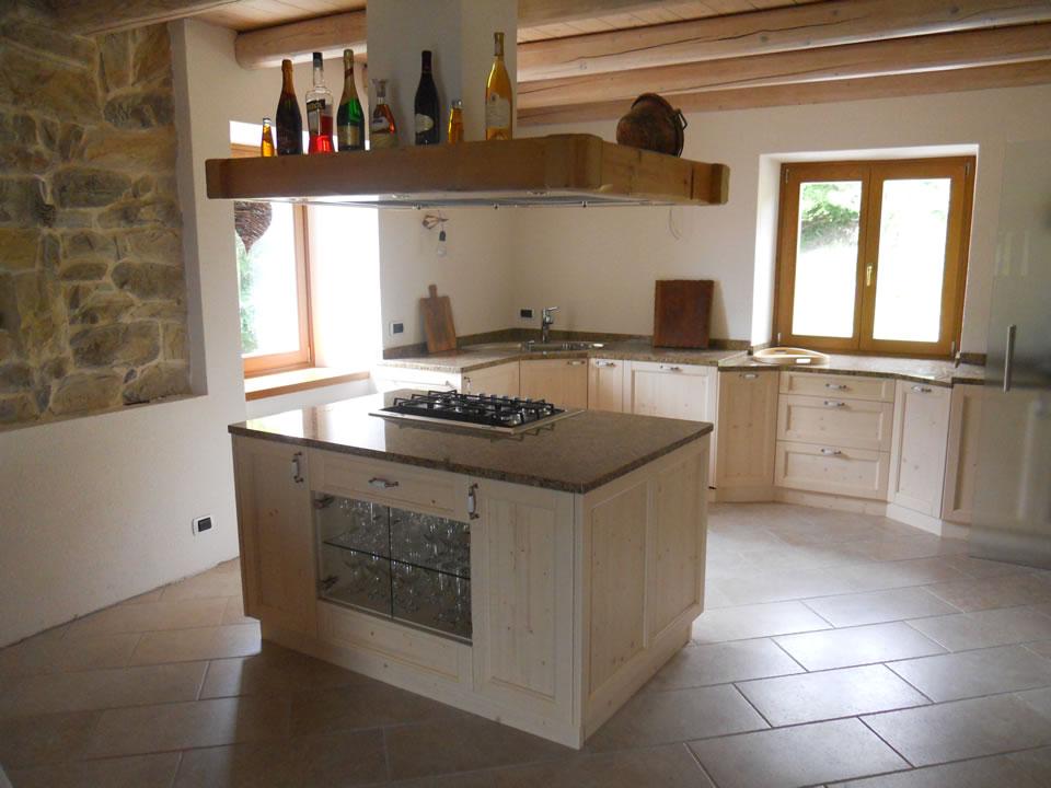 cucina21 Cucine su misura, progettate per vivere la tua casa.