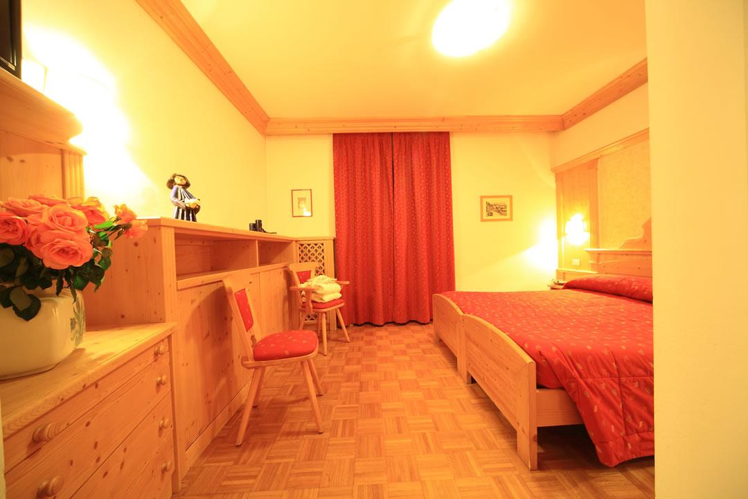 hotel4 Arredamenti per Ristoranti, Bar, Hotel, B&B, pizzerie