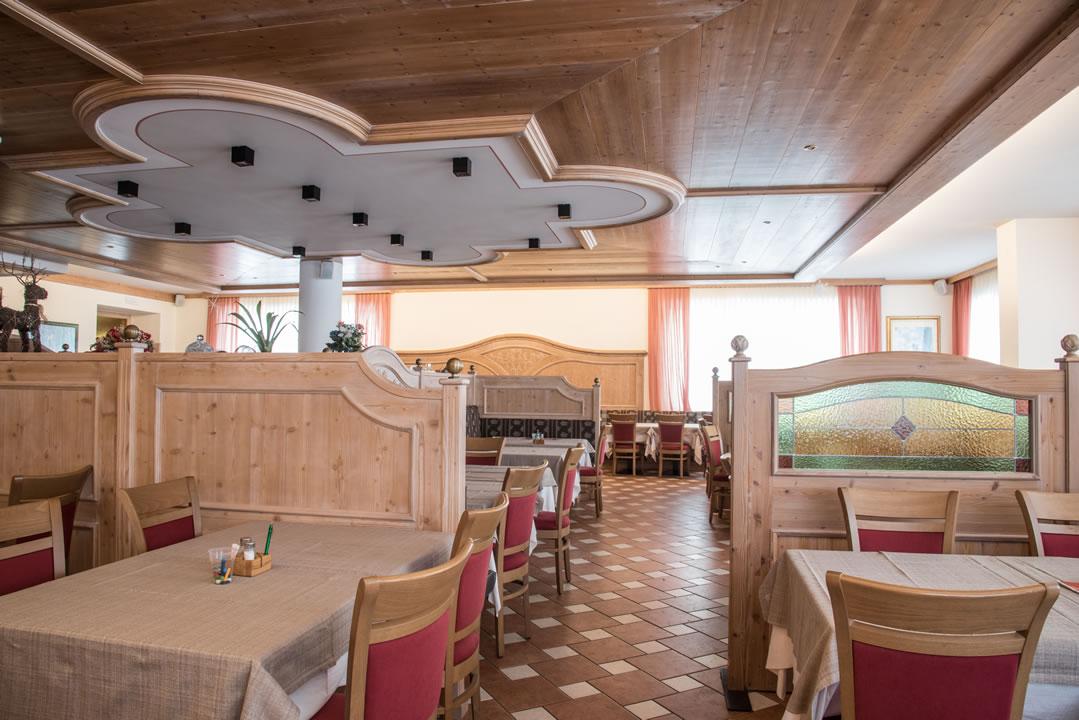 ristoranti-bar-22 Arredamenti per Ristoranti, Bar, Hotel, B&B, pizzerie