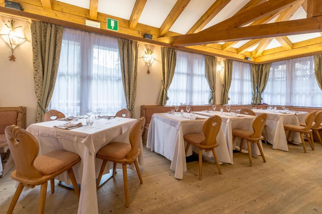 ristoranti-bar12 Arredamenti per Ristoranti, Bar, Hotel, B&B, pizzerie